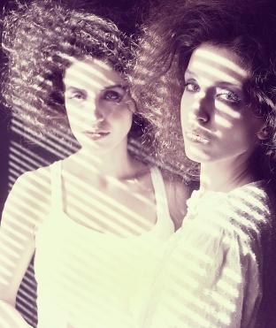 fashion-twins-photo-shadow